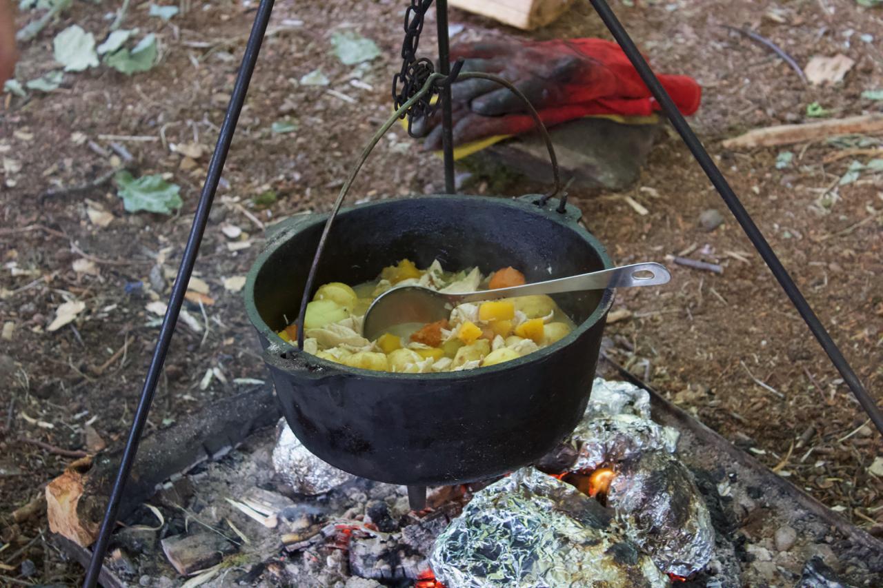 Dutch Oven Chicken Stew